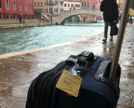 9 Tips to Minimize The Chance of Losing Your Checked Luggage